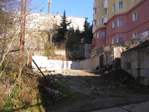 Земельный участок в Ялте под строительство многоэтажного дома. - Фото 1