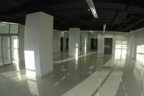 Сдаётся офисное помещение 219,4 кв.м. в бизнес центре - Фото 1