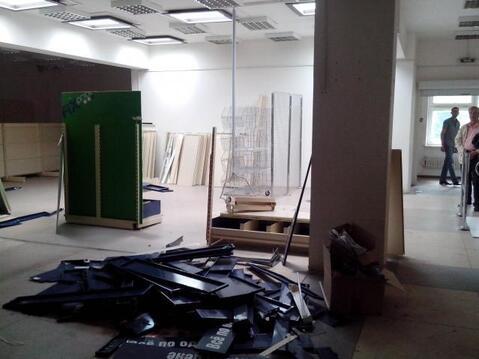 Торгово-офисное помещение на втором этаже торгового центра. 240 кв.м - Фото 1