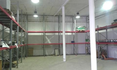 Сдается ! Теплое складское помещение 200 кв.м.Закрытая территория. - Фото 1