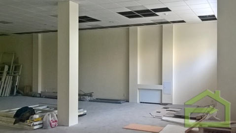 Магазин на первой линии ул. Есенина в новом жилом комплексе - Фото 3
