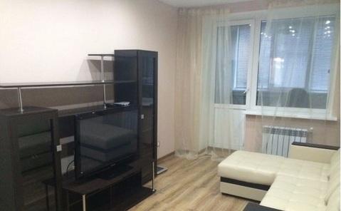 Продается 1-комнатная квартира 45 кв.м. этаж 4/9, Космонавта Комарова - Фото 1