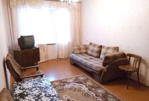 Сдам однокомнатную квартиру, есть мебель, холодильник, телевизор, . - Фото 1