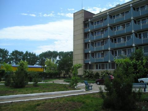Оздоровительный Комплекс в Евпатории, расположенный на самом берегу МО - Фото 1