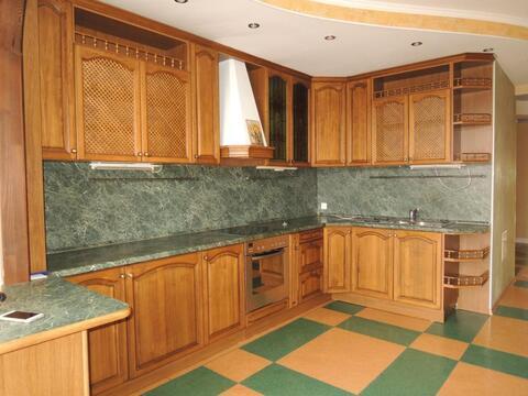 Отличная 3 (трех) комнатная квартира в Заводском районе г. Кемерово - Фото 1