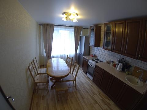 Продается трехкомнатная квартира в центре города. - Фото 1