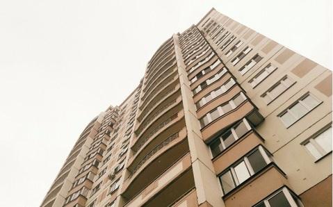 Продается 1-комнатная квартира 43.7 кв.м. этаж 15/17 ул. 65 лет Победы - Фото 1