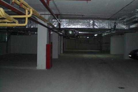 Машино-место 14 м2 в подземном паркинге вблизи м.Автозаводская