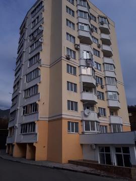 Продам в новом доме 1-комн. квартиру на побережье Ялты - Фото 1