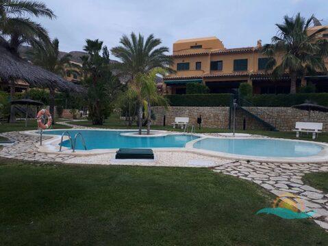 Продается красивый таунхаус с видом на море в Бенидорме - Фото 1