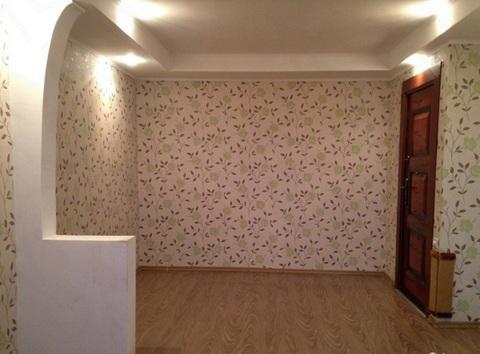 Продается комната с евро ремонтом и мебелью в кирпичном доме. - Фото 2