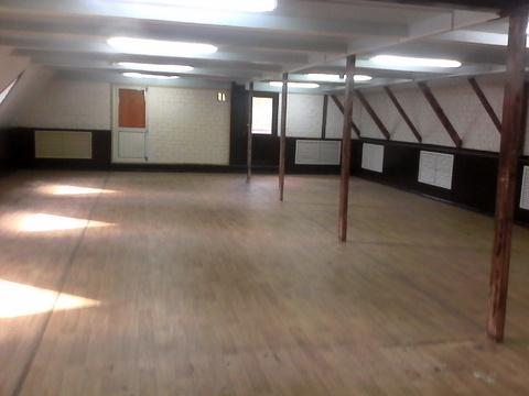 Второй этаж отдельно стоящего магазина. 130 кв.м, 50000 рублей в месяц - Фото 1