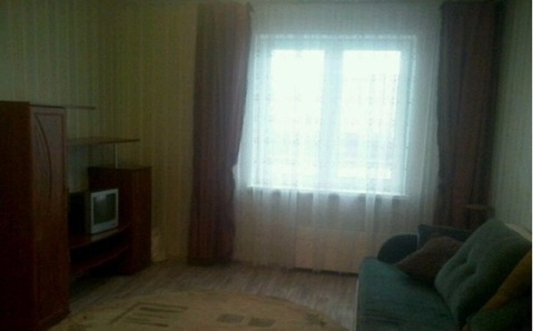 Сдам 1-комнатную квартиру 44 кв.м. этаж 2/16 ул. Серафима Туликова - Фото 1