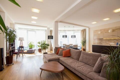 Сдается элитная трехкомнатная квартира в Центре ЖК