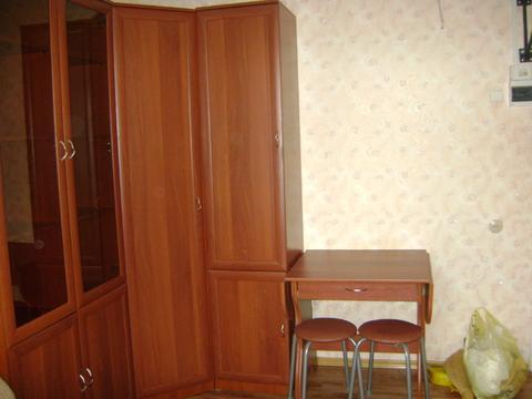 Сдаю комнату в общежитии в блоке на две комнаты на ул. Белоконской. - Фото 1