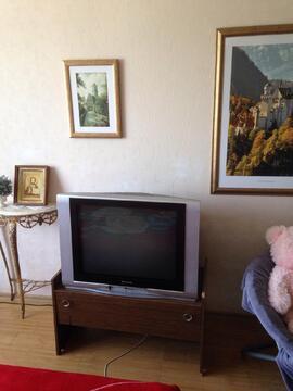 Продам 2-х комнатную кв-ру ул. Ангарская, д.65 напротив парка и прудов - Фото 1