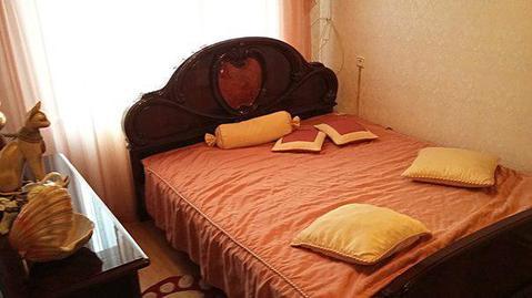 Сдаётся 3-х эт. дом 300 кв. м в п. Софьино с мебелью и техникой. - Фото 1
