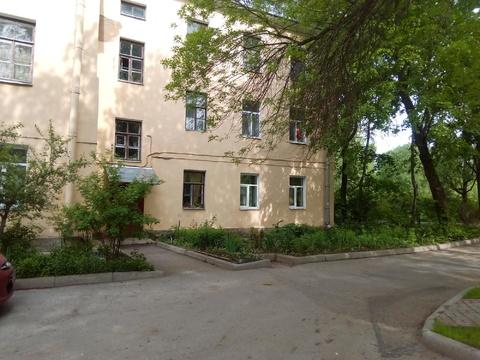 Комната напротив входа в Павловсакий парк. - Фото 1
