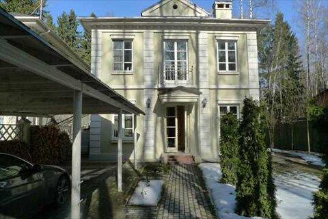 Продается дом с великолепной отделкой 213 кв.м. на участке 9 соток в . - Фото 3