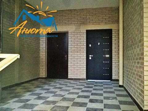 2 комнатная квартира в Жукове, Генерала Стойчева 1 - Фото 1