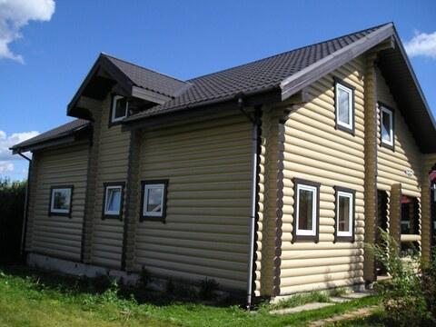 Бревенчатый дом в тихом коттеджном посёлке. - Фото 3
