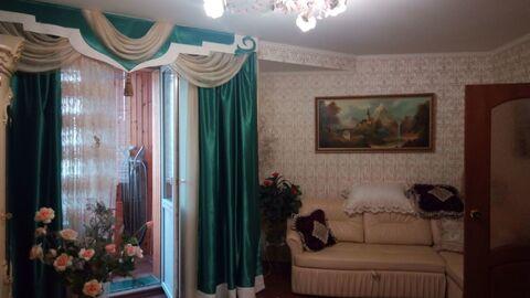 Продаю 2-хкомн. квартиру с отличным ремонтом в кирпичном доме - Фото 1