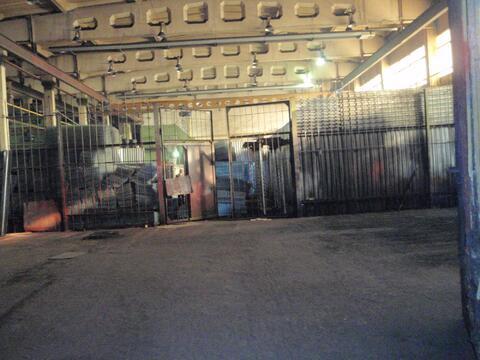 Производство или склад с кран-балкой