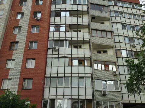 Приличная квартира, ул. Лебедева-Кумача, 3 комнаты - Фото 1