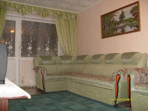 Хорошая квартира посуточно в Яровом - Фото 1