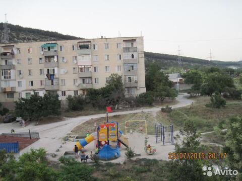 Продаем 2-комн.квартиру в Севастополе, Парниковая, 2в - Фото 1