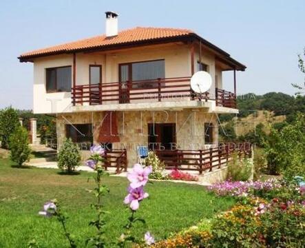 Дом в 20 км. от Варны, 4 км от моря и пляж курорта Камчия. - Фото 1