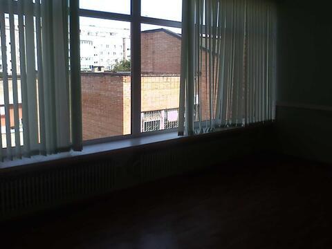 Офисное помещение на втором этаже бизнес-центра, 7,2 кв.м - Фото 2