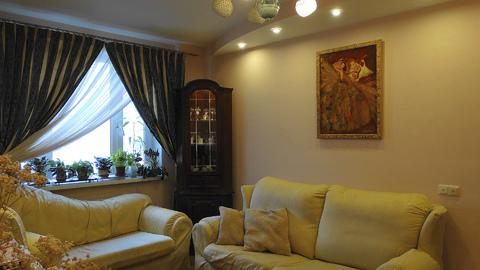 Трехкомнатная квартира с дизайнерским ремонтом - Фото 1