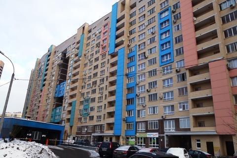 Сдаю 1 ком. квартиру в г. Мытищи, центр города, ул. Комарова, д.2 к.3 - Фото 1