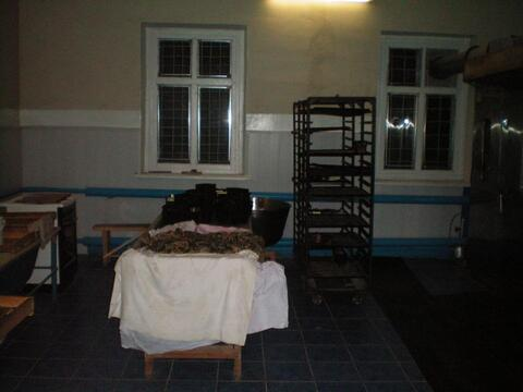 Здание (бывший сельмаг) в с.Буланово Октябрьского района. - Фото 4