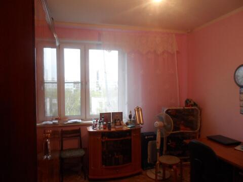 Свободная продажа комнаты в отличном состоянии. Отличный район. - Фото 1