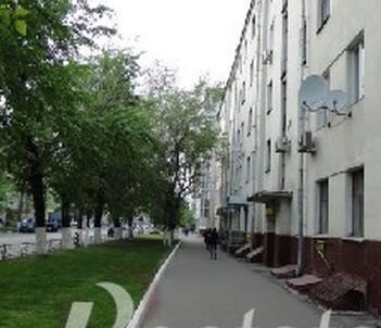 Продается комната по улице Авиамоторная , с высокими потолками . - Фото 1