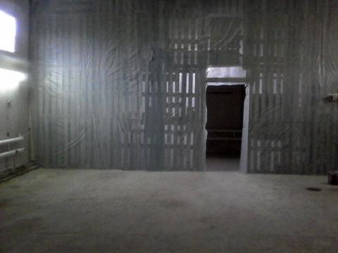 Помещения под склад, производство. Высота 4 м, Огорожено, охрана, 150р - Фото 1