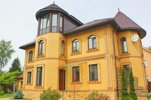 Трехэтажный загородный дом в 1,5км от Пироговского вдхр. - Фото 1