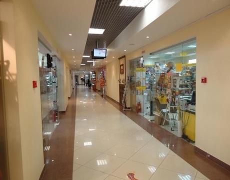 Сдается Торговый центр. , Сергиев Посад г, Кооперативная улица 2 - Фото 1