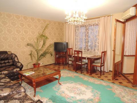 Трёх комнатная квартира в районе фпк по адресу ул. Тухачевского 43 - Фото 2