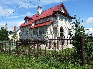 Кипичный дом рядом с рекой - Фото 1