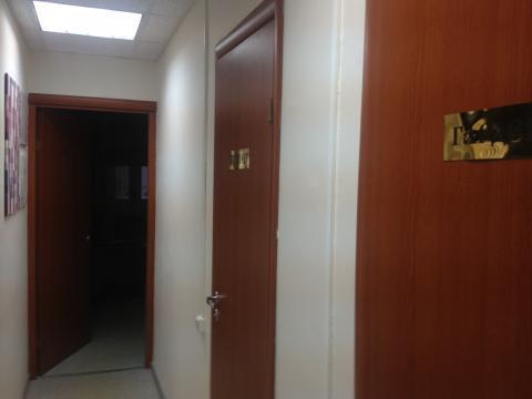 Офис с отдельным входом, 90 м2, ремонт, два санузла, вода подведена - Фото 3