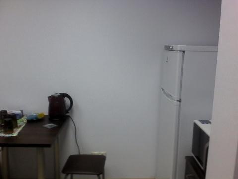 Офисное помещение с мебелью. Первый этаж, отдельный вход. - Фото 2