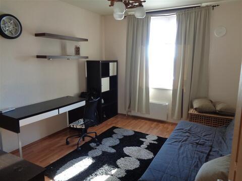Продам комнату в большой новой 3-комнатной квартире - Фото 1