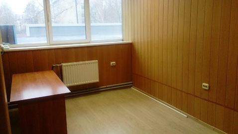 Офисное помещение на втором этаже бизнес-центра. 15 кв.м - Фото 3