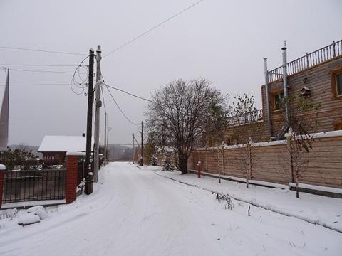 Участок с соснами, на жилой улице, п. Исток, черта Екатеринбурга. - Фото 1
