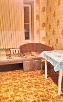 Кухня 10 кв.м.; комната 17 кв.м.; лоджия застеклена 6 кв.м. . - Фото 5