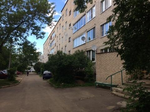 1ка в пгт Михнево (ул.Библиотечная) 4/5 кирпичного дома. - Фото 1