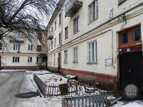 Продается комната с ок в 3-комнатной квартире, ул. Дружбы - Фото 1